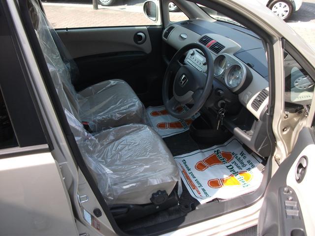 フロントシートの写真です。座り心地快適