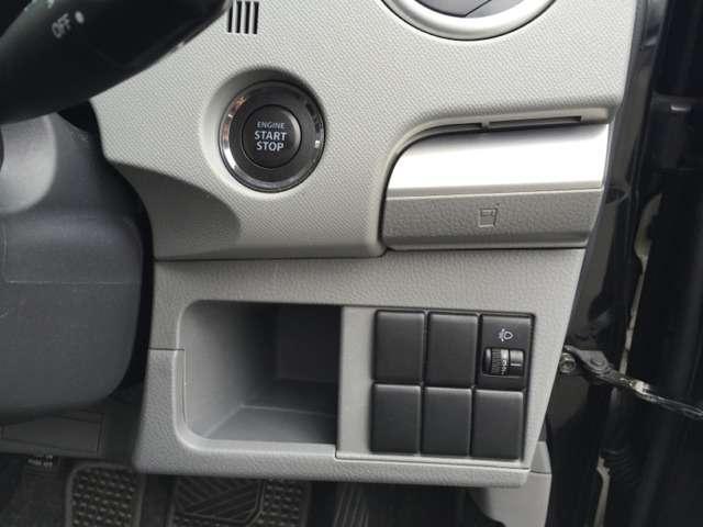 運転席から操作できるスイッチ♪あれば便利ですよね☆エンジンプッシュスタート!!