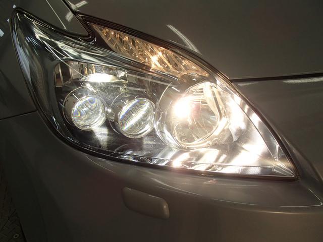 【LEDライト】 白く明るい光で夜間走行の安心感を高め、低消費電力で低燃費にも一役かっています!