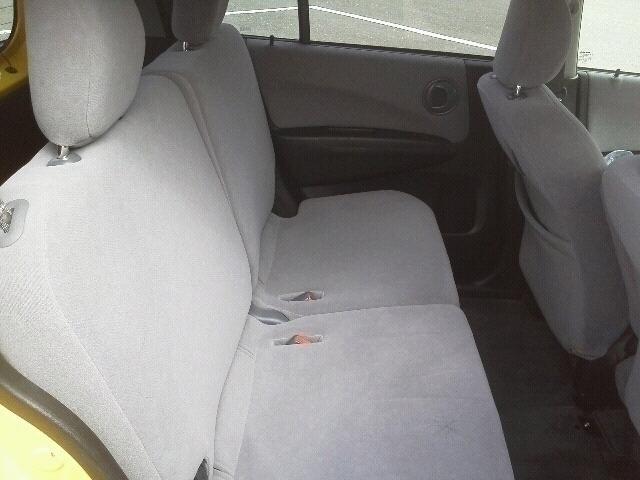 後部座席です。 座り心地を体感下さい。