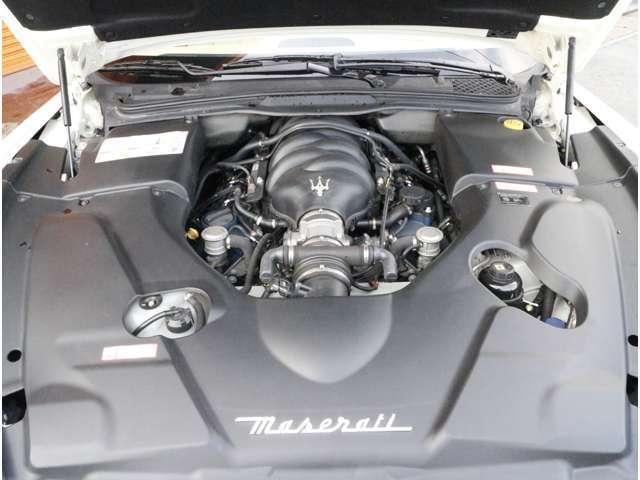 マセラティV型8気筒DOHCエンジン!走りの405馬力(カタログ値)!フェラーリF430エンジンヘッドを利用したエンジンです!