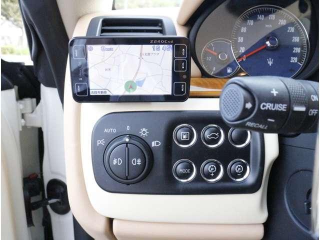 GPSレーダー付!オートキセノンヘッドライト!クルーズコントロール付!