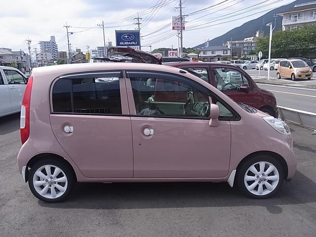 ピンクとホワイトのかわいいボディ!もちろん、内外装クリーニング済み