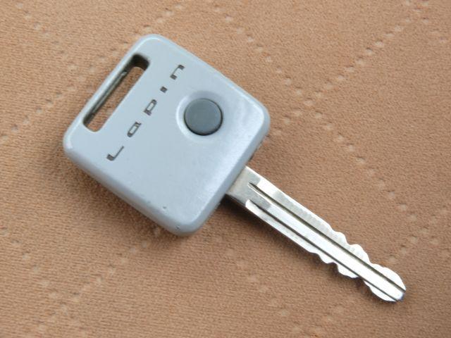 便利なキーレス☆ボタン一つでドアの開閉が出来ます♪