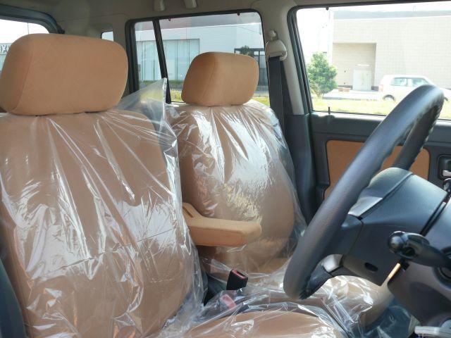 アームレスト付きのシートで快適ドライブをお楽しみいただけます。