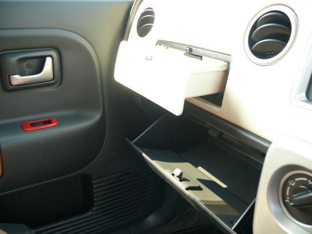 小物入れも充実しています。モノの住所を決めて整理整頓でき車内はいつもスッキリ☆