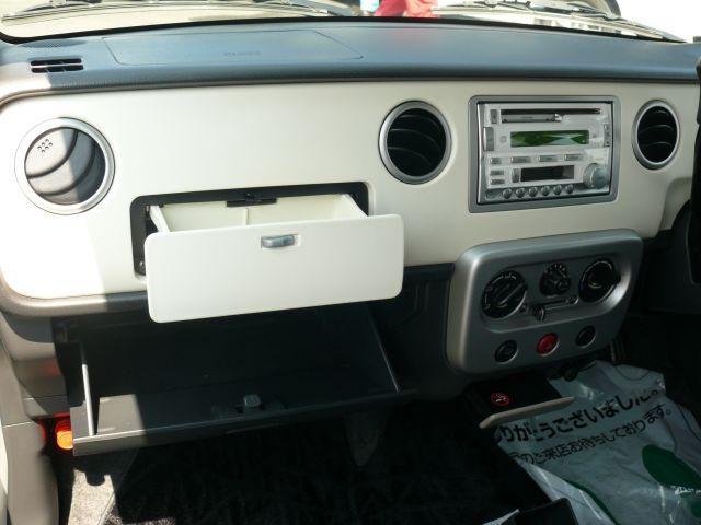 小物入れは至る所に大小あります。取り出しやすい所に収納することで、効率よく、スッキリした車内に♪