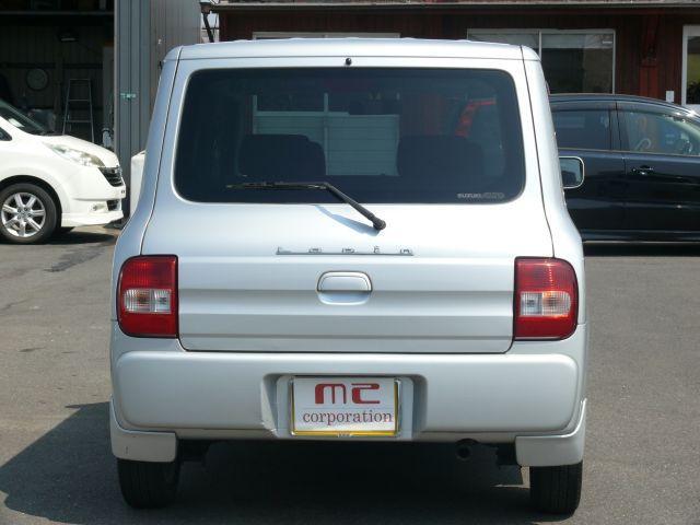 車をよりオシャレに見せてくれるプライバシーガラスです☆紫外線をよけてくれるだけでなく、エアコンの効きをよくしてくれるエコな装備☆