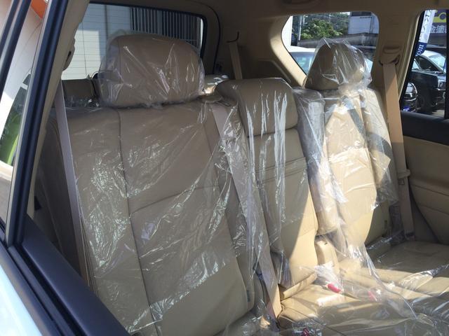 TX Lパッケージ 本革シート サンルーフ 登録済未使用車(10枚目)