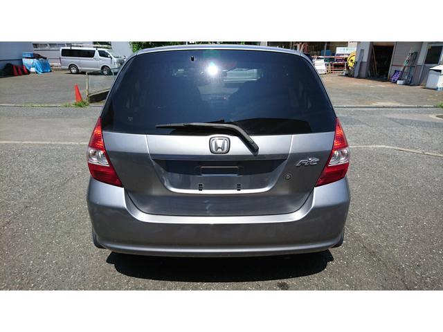 新車カタログ値10モード/10・15モード燃費 23.0km/リットル
