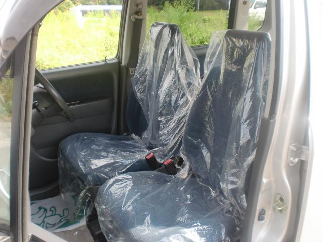 内装ルームクリーニング済みです。しっかり綺麗にしていますので、是非、お確かめください。納車時にはもう一度キレイにいたしますよ!安心の保証付販売(保証料別途)もございます。