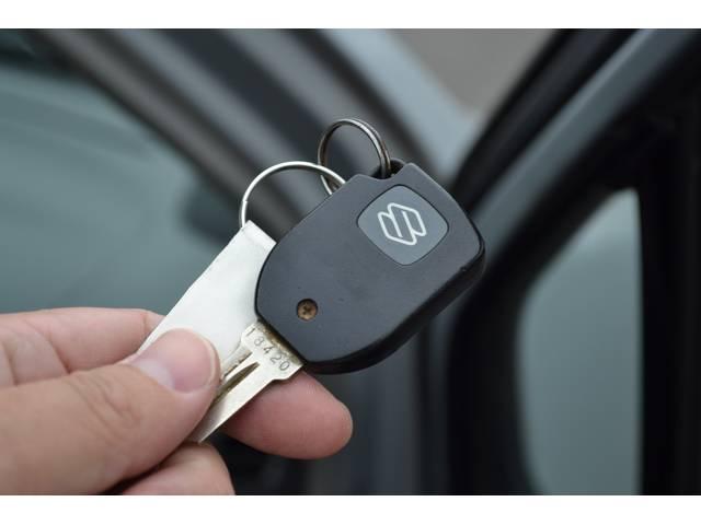 【キーレスエントリー】ドアロックをキー付属のボタンで開け閉め可能な便利ツール。