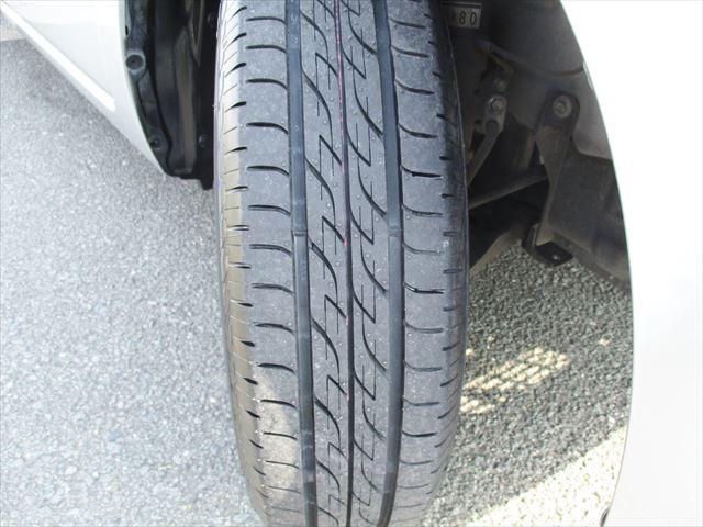 弊社にて、タイヤ3本新品に交換致しました!残り溝の心配もご無用です!!ご購入後の出費を抑えてくれますね!