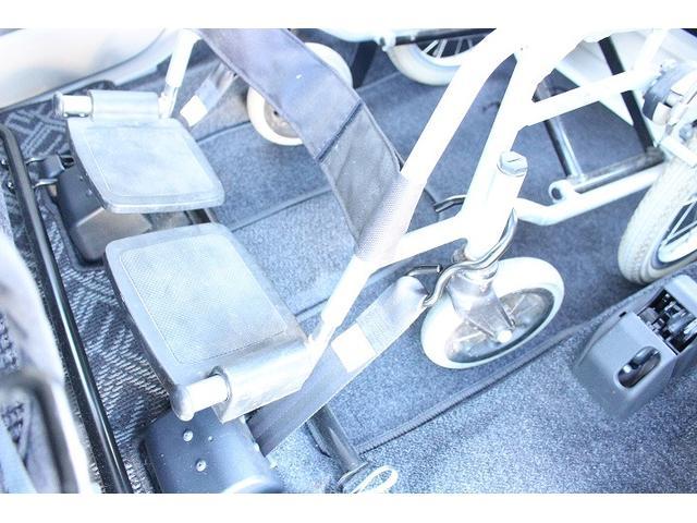 福祉車両専門店で専門スタッフがカーライフをサポートします!【車いす装着例】