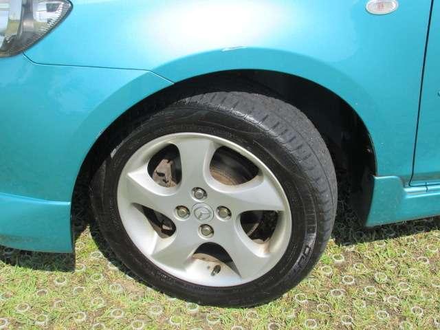 ホイール綺麗で、タイヤもまだ使用可能です♪※別途格安料金で新品タイヤに変更可能ですのでお気軽にお問い合わせください♪
