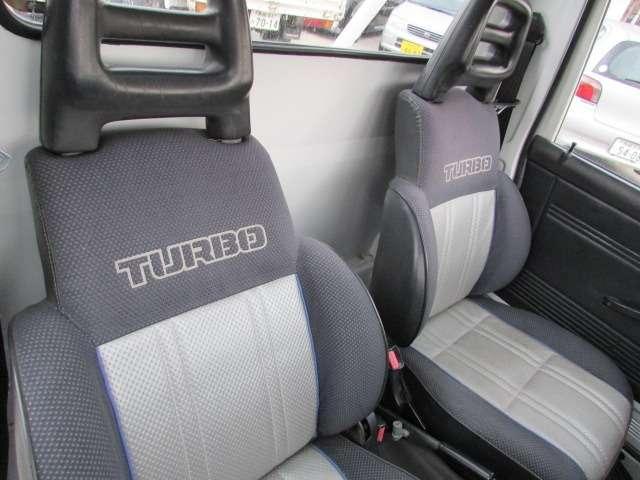 運転席、助手席に目立った傷や汚れ等無く大変綺麗な状態かと思います♪