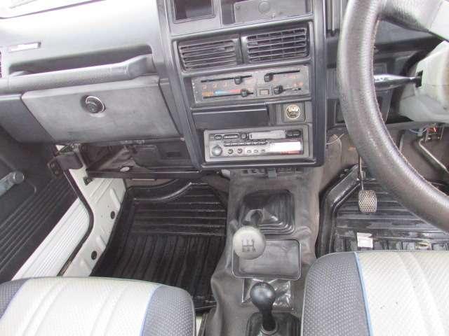 これからの季節に必要不可欠なエアコン♪車内を冷やしてくれ快適な運転をお楽しみ頂けるかと思います♪