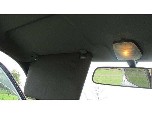 夜間に車内を明るく照らしてくれる室内灯♪
