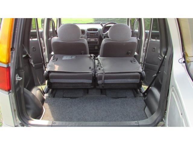後部座席を前方へ倒すことにより、更に多くの荷物等を載せることが可能です♪