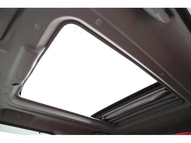 明るい明かりが入ってドライブも気分が上がりますよ♪