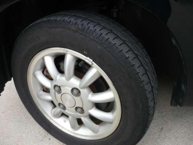 純正アルミ付きで、タイヤの溝もまだまだあります!!