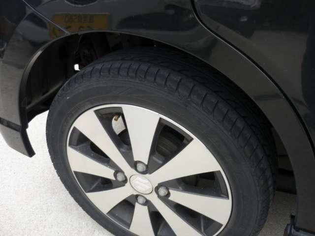 純正アルミ付でタイヤの溝もまだまだ大丈夫!!