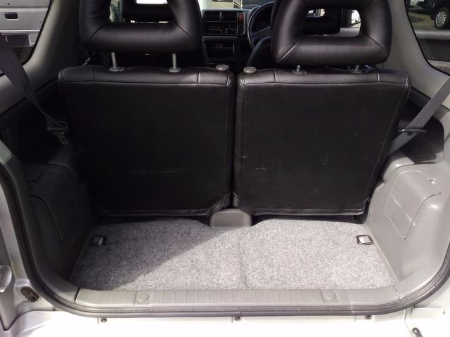 XC 5MT  4WD レザー調シートカバー(18枚目)