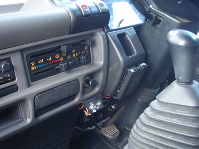 いすゞ エルフトラック 2t 全低床 平ボディ 幌