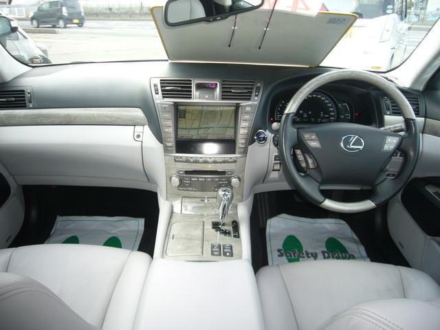 レクサス LS LS600h Iパッケージ 純HDDナビ サンルーフ 4WD