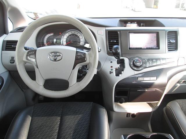 米国トヨタ シエナ SEプリファードPKG 新車並行車 サンルーフ ハーフレザー