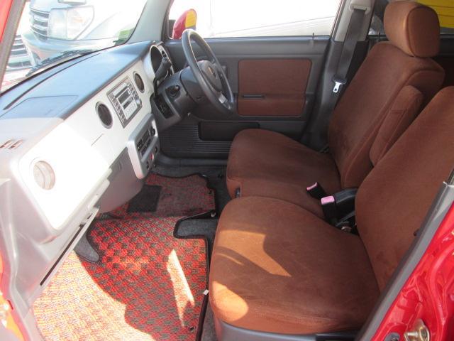 ブラウンカラーのシートデザインでオシャレ!シートもキレイな状態で安心です!独自ローン有ります!0120−19−1190♪お気軽にご相談下さい!