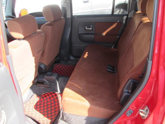 後部座席広々♪使用感も少なく程度も良いですよ♪独自ローン有ります!0120−19−1190♪お気軽にご相談下さい!