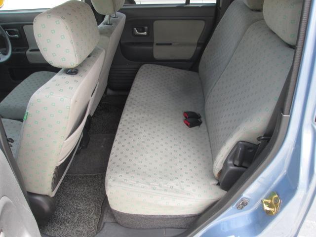 後部座席も目立つような汚れなどはありません♪独自ローン有ります!0120−19−1190♪お気軽にご相談下さい!