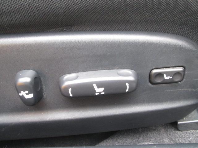 運転席はフルアジャヤスタブル電動シートが装着されてます。独自ローン有ります!0120−18−1190♪sankyo20@net.email.ne.jp