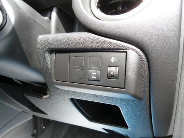 マツダ デミオ 13C 4WD