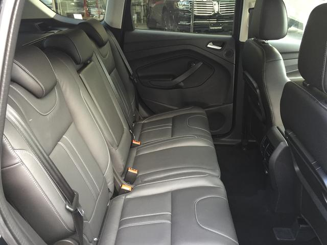 フォード フォード クーガ タイタニアム 登録済未使用車 4WD