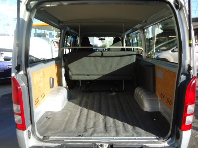トヨタ レジアスエースバン ロングDX 4WD 9人乗り ナビ ETC リアヒーター