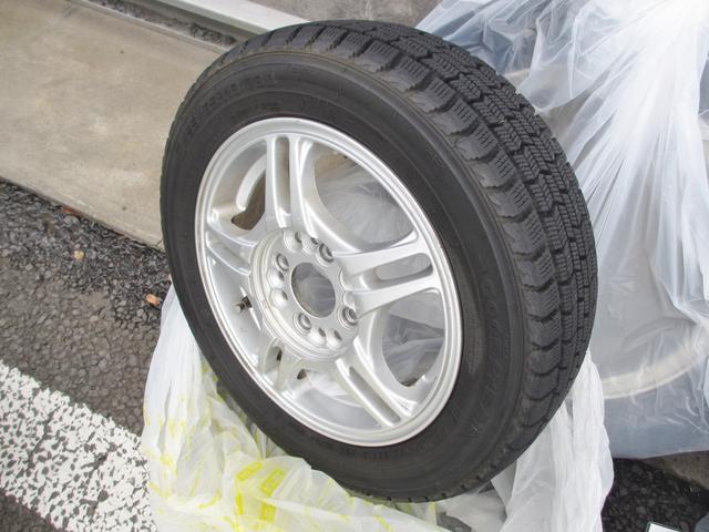 冬の必需品の社外アルミ+スタッドレスタイヤもご用意してます!もちろん無料で付いてくるので、お徳感満載ですよね!