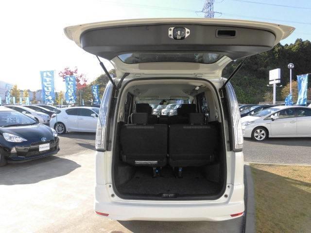 日産 セレナ ハイウェイスターVセレクション+セーフティパック 4WD