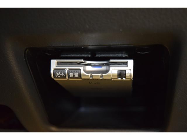 アウディ アウディ A4アバント 2.0TFSIクワトロラグジュアリーライン+ ブラックレザー