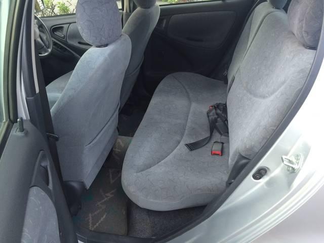 当店は、専門スタッフによる徹底したルームクリーニングを行い、いつも清潔、快適、安心なお車をご提供いたします!