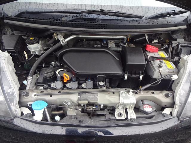 エンジンルームもきれいに保たれています。