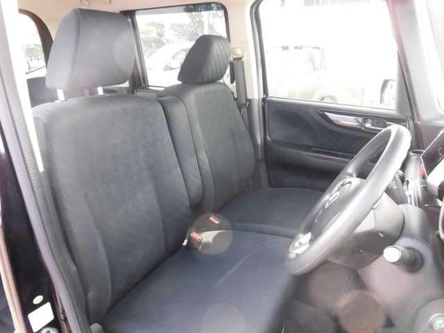 是非一度運転席に座ってみてください!前席の画像です。