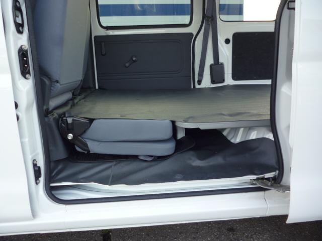 ダイハツ ハイゼットカーゴ DX 4WD 5速マニュアル 両席エアバッグ キーレス