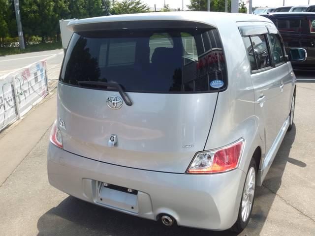 トヨタ bB Z Qバージョン 4WD 休息シート