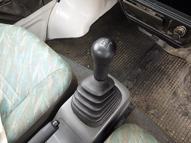 スズキ キャリイトラック KC 4WD 5速マニュアル