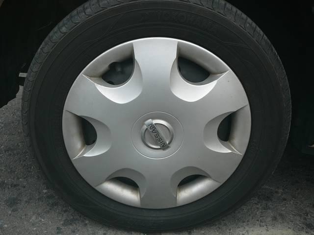 新品タイヤ装着済みです。純正ホイールキャップです。縁石のガリ傷や跳ね石の保護カバーになります。