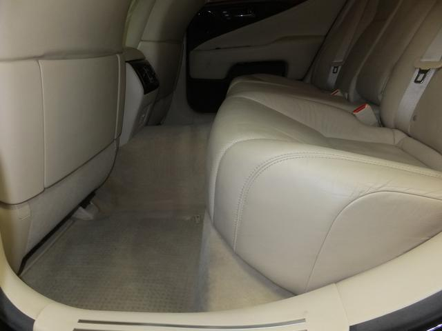 レクサス LS LS600h バージョンU 4WD 純正DVDナビ 革シート