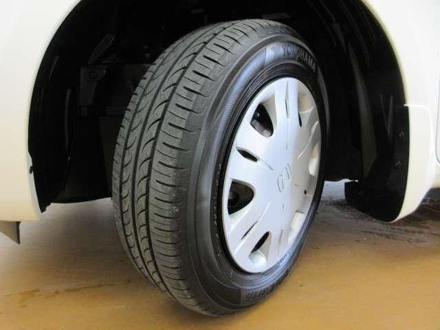 タイヤ残り溝も十分です。