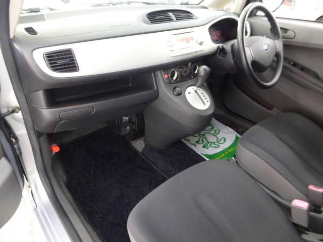 車内もキレイで嫌なニオイもありません。